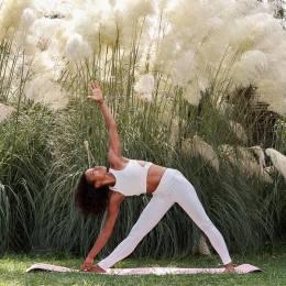 nina-yoga